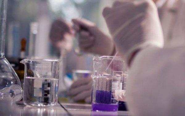 chemistry lab bench