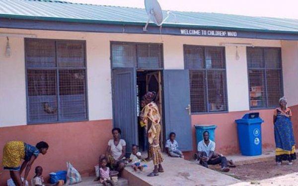 Patients_gather_outside_Nadowli_Hospital_In_Ghana