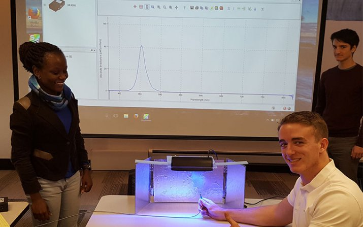 SAGES students and solar-powered jaundice treatment device