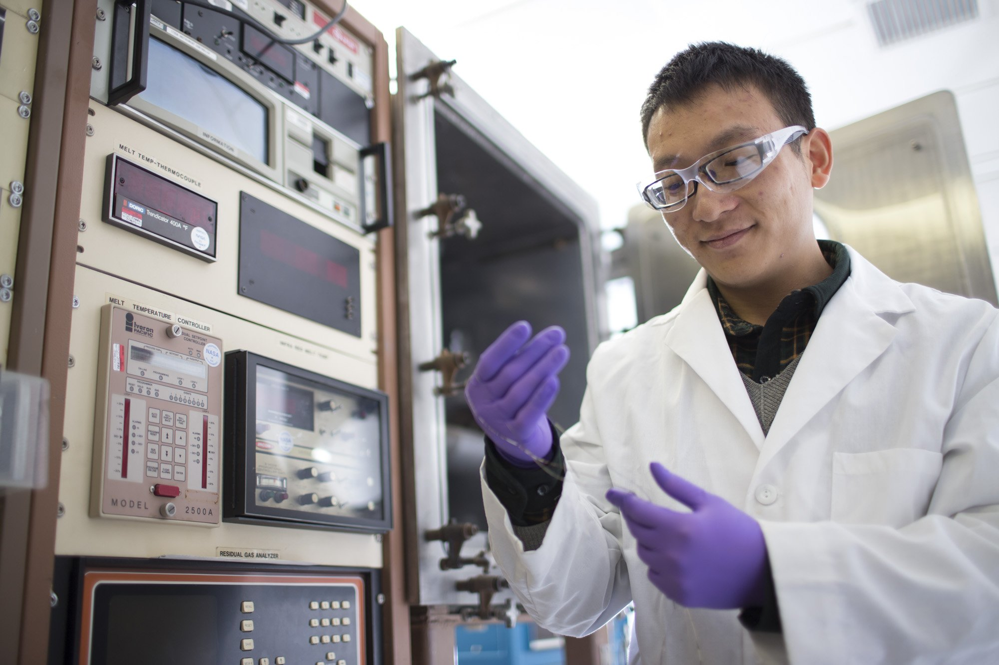 materials student working in Nitinol Accelerator Lab