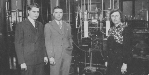 Historic photo of chemical engineering faculty members