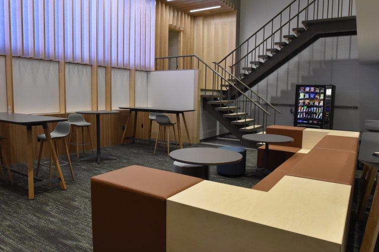 Lounge space in the Roger E. Susi Laboratory